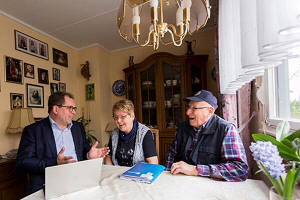 Erfüllt im eigenen Haus leben können: Die Deutsche Leibrenten AG hilft dabei