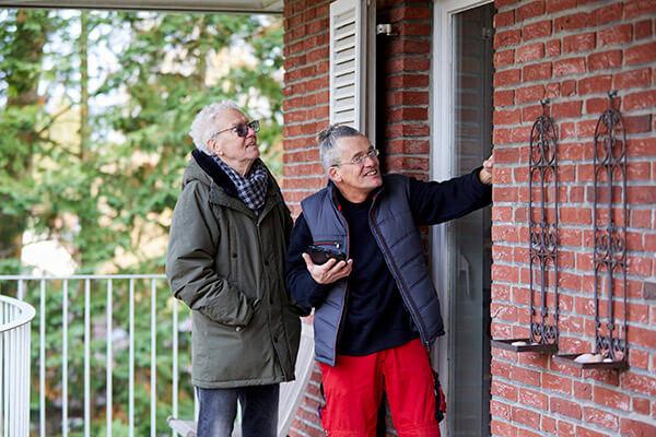Die eigene Immobilie in Schuss zu halten ist für Senioren