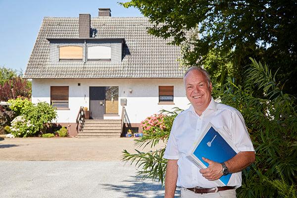Die Deutsche Leibrenten AG konnte es Elisabeth Siepmann möglich machen in ihrem eigenen Haus wohnen zu bleiben.