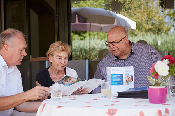 Elisabeth Siepmann berichtet über ihre sehr positiven Erfahrungen mit der Deutschen Leibrenten AG.