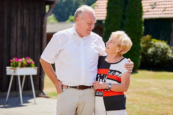 Sorglos und schuldenfrei. Dies ermöglichte die Deutsche Leibrenten AG, Elisabeth Siepmann.