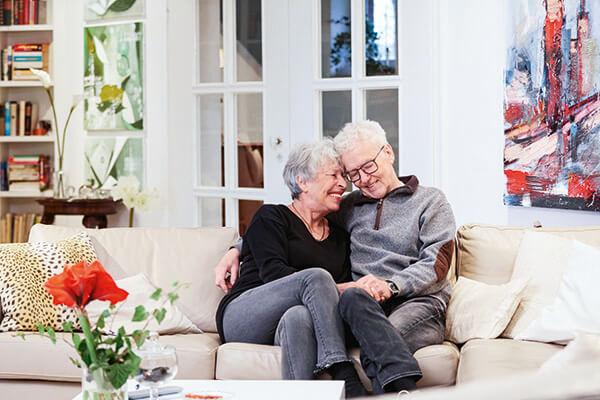 Judith und Alfred Schramm sind mit der Leistung der Deutschen Leibrenten AG mehr als zufrieden. Sie haben nun ein sicheres Gefühl.
