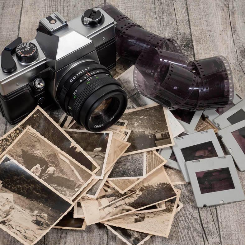 Abbildung zeigt Dias, alte Fotos und Negative | Alte Bilder richtig digitalisieren
